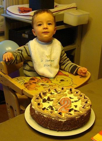 Biscuit met boterroom: verjaardagstaart, kerstgebak of paasgebak 3