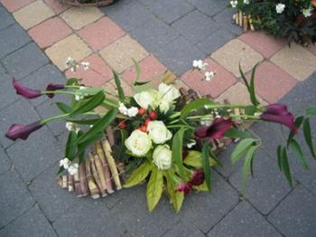 Modern werk met stokken bloemschikken bloemstuk met stokken gette - Modern werk ...