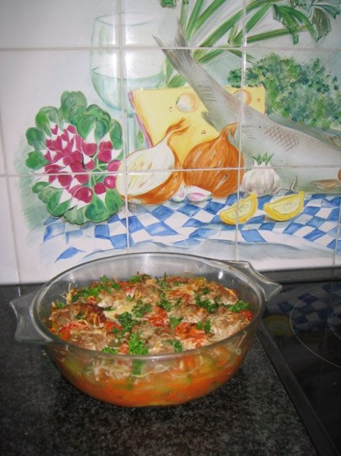 Courgetteschotel met zalm en tomatensaus 1