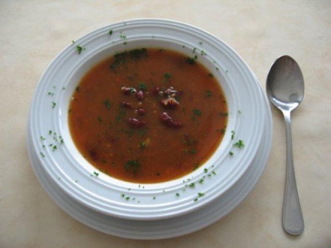 Pittige tomatensoep met rode bonen 1
