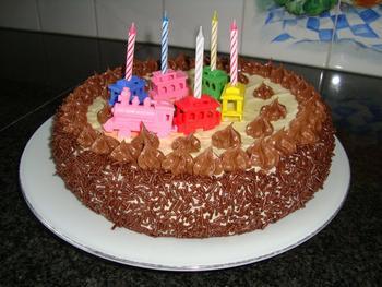 Biscuit met boterroom: verjaardagstaart, kerstgebak of paasgebak 9