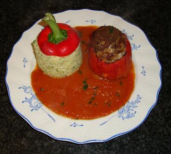 Gevulde paprika met tomatensaus en rijst 4