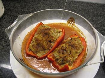 Gevulde paprika met tomatensaus en rijst 7