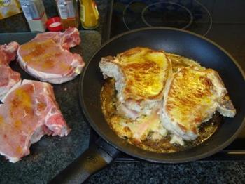 Kotelet gevuld met camembertkaas 4
