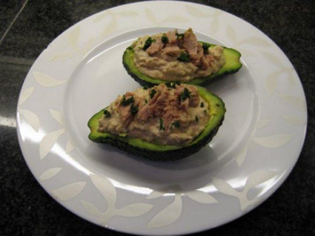 Gevulde avocado met tonijn en kappertjes 1