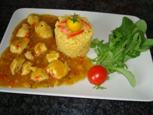 Kippenragout met risotto, rode en gele paprika 1