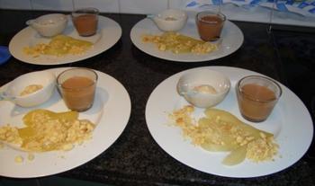 Gepocheerde conférence peer met crumble en melkchocolademousse met Sambuca mascarponemousse 2