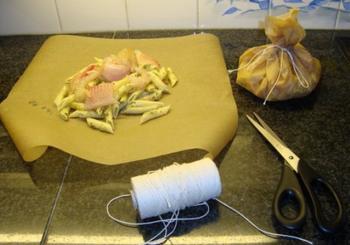 Spaghetti met mosselen en scampi in papillot 3