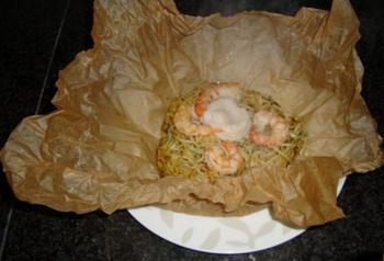 Spaghetti met mosselen en scampi in papillot 5