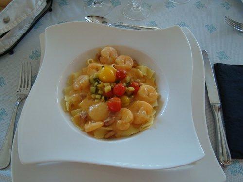 Deegwaren met tijgergarnalen, chorizo en mediterrane groenten 1