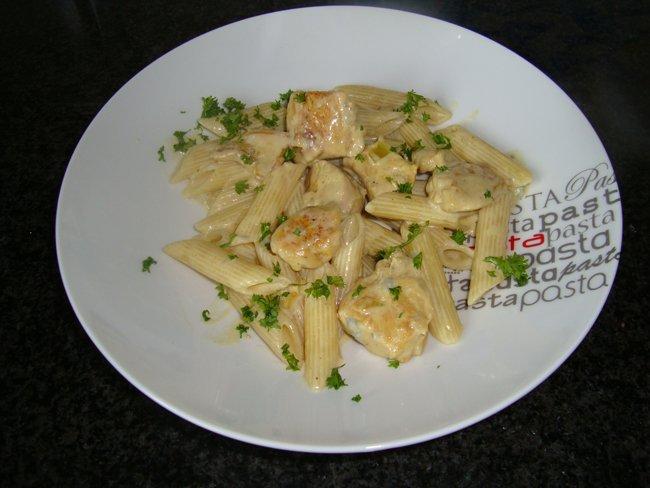 Kip met Gorgonzola, alpro cuisine en penne 1