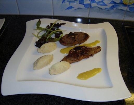 Lamskoteletjes met mosterdsaus en knolselderpuree 1