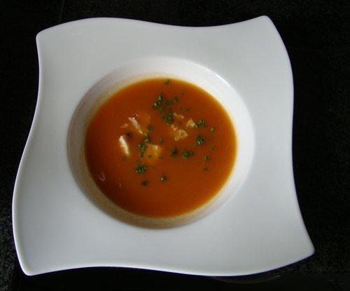 Paprika - tomatensoep met gerookte forel 1