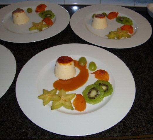 Parfait van mascarpone met karamelsaus en vers fruit 1