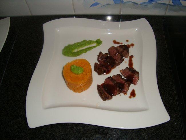 Wilde eendenfilet met zoete aardappelpuree en erwtenmousse 1
