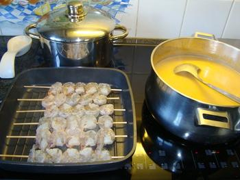 Gerookte zalmroomsoep met garnalenspies 2