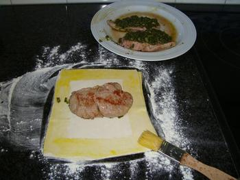 Lamfilet in deegkorst met champignonroomsaus 6