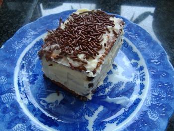 Petit beurrekoek met boterroom of koninklijk dessert 5