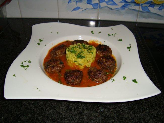 Kerrierisotto met kruidige lamsgehaktballetjes en groentensaus 1