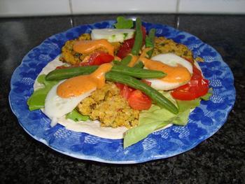 Maïstortilla's met bulgurkoekjes en pittige saus 10