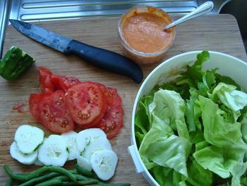 Maïstortilla's met bulgurkoekjes en pittige saus 6