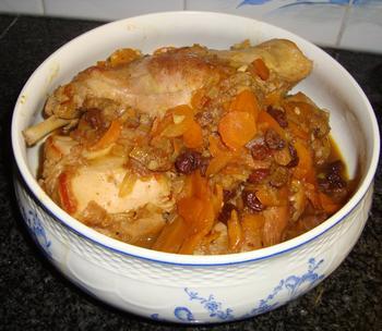 Pittig konijn met gember, rozijnen en wortelen 2