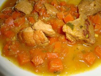 Potje van varkensstoofvlees en wortelen 10