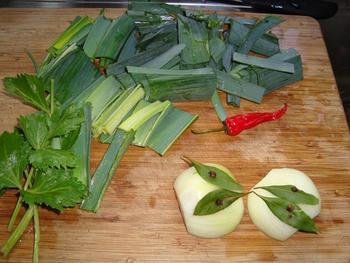 Rundschenkel of soepvlees met saus, ui en paprika 3