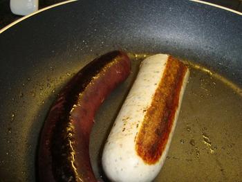 Taartje van schilferdeeg met bloedworst, witte worst en aardappelen 2
