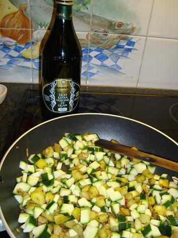 Tagliatelle of penne met aubergine, courgette en tomaat 4