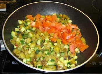 Tagliatelle of penne met aubergine, courgette en tomaat 6