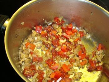 Tapa: gevulde champignons met chorizo en paprika 4