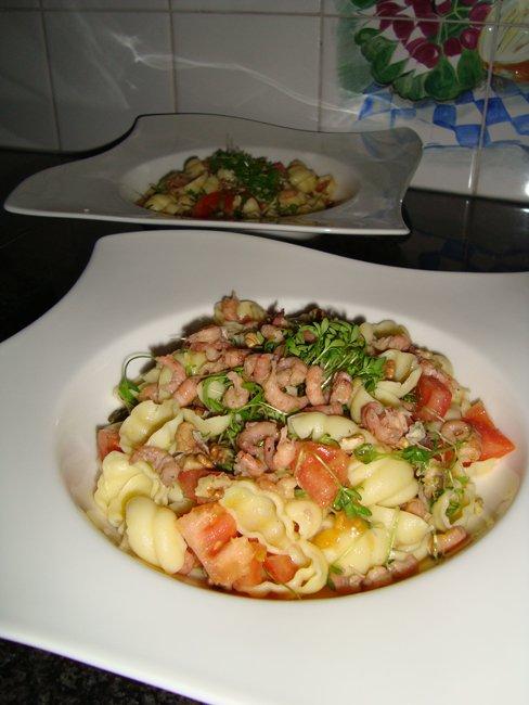 Pastasalade met garnalen, cresson en tomaat 1