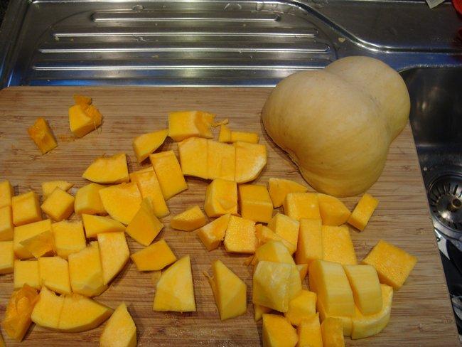 Zalfje van butternut pompoen of gepureerde pompoen 1
