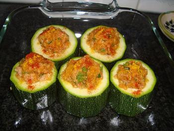 Gevulde courgette met gehakt en tomatensaus 5
