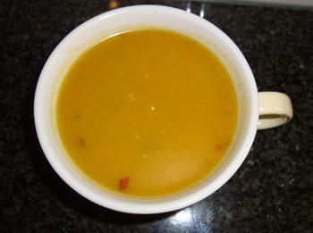 Kruidige soep met geroosterde pompoen en wortelen 6