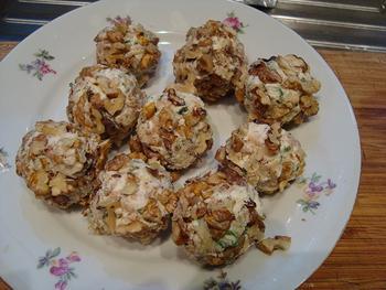 Truffel van kruidenkaas, garnalen en noten 5