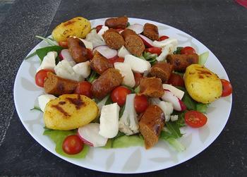 Zomerse salade met mozarella en merguez 8