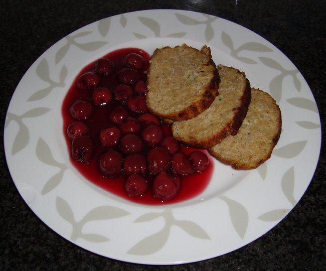Gehaktbrood met krieken of warme kersen 1