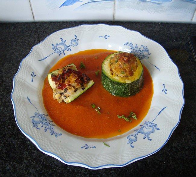 Gevulde courgette met kaas en zongedroogde tomaten 1