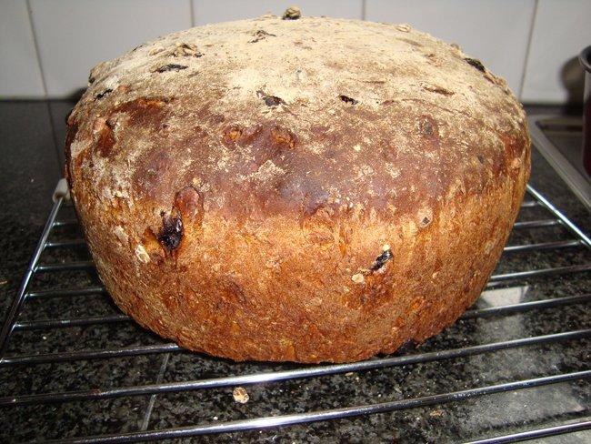 Meergranenbrood met appel, rozijnen, noten en speculaaskruiden 1