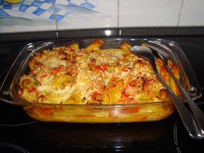 Pasta (tortiglioni) met paprika en mortadella 1