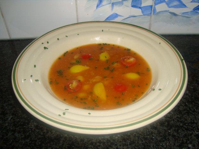 Tomatensoep met witte bonen of borlotti bonen 1
