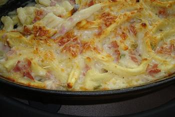 Deegwaren: mocchoroni al ferretto met witte selder, ham en kaassaus 5