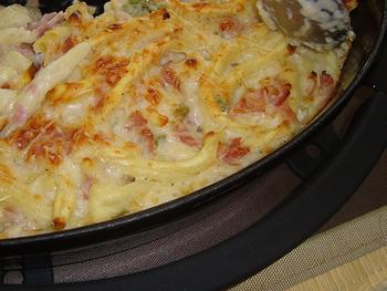 Deegwaren: mocchoroni al ferretto met witte selder, ham en kaassaus 6