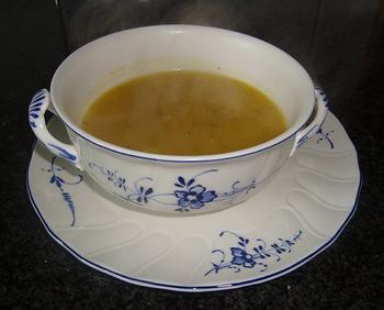 Gele courgettesoep met gember en tomaat 5