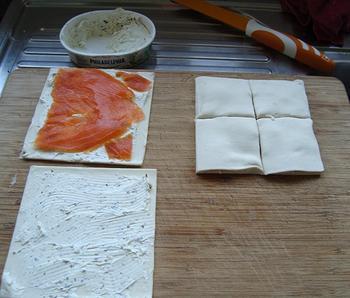 Hapje: hartige wafeltjes met kruidenkaas en ham of zalm 2