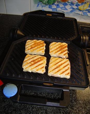Hapje: hartige wafeltjes met kruidenkaas en ham of zalm 4