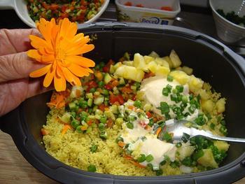 Koude Indische rijstschotel met kip en ananas 7