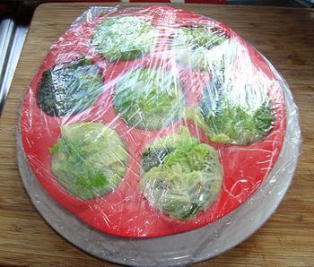 Mooi verpakte savooikoolpuree met kaassaus en garnaaltjes 9